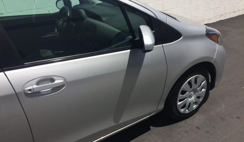 2017 Toyota Yaris L full